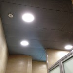 Panele aluminiowe z siatki w kasie oszczędnościowej